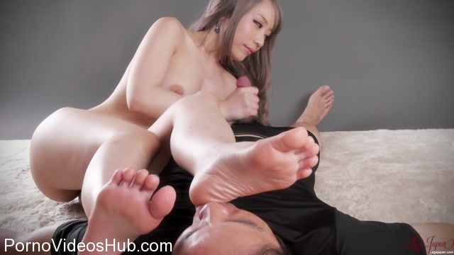 Watch Online Porn – LegsJapan presents Airi Mashiro in Foot Suck Handjob (MP4, FullHD, 1920×1080)