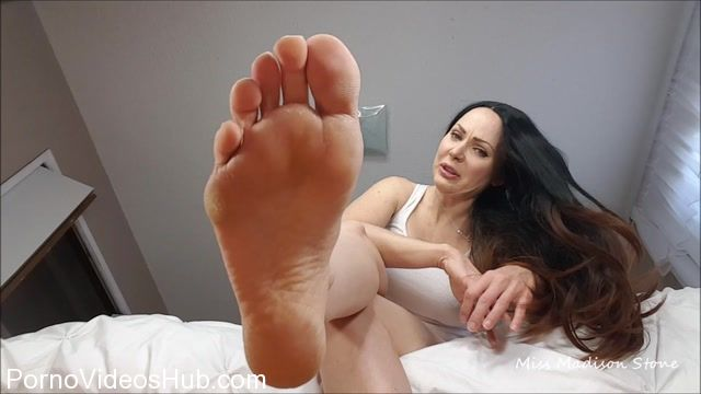 Madison_Stone_in_Low_Life_Under_My_feet.mp4.00006.jpg
