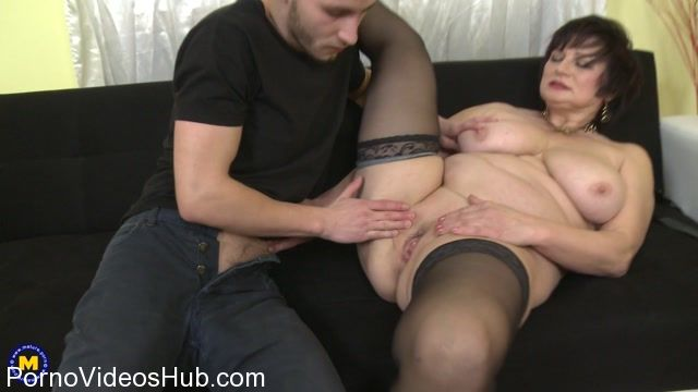 Mature.nl_presents_Dalia__56__in_curvy_housewife_Dalia_doing_her_toyboy_-_30.12.2017.mp4.00004.jpg