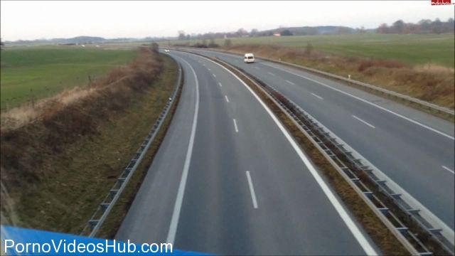Watch Online Porn – MyDirtyHobby Webcams Video presents Girl Lucy-Cat in Hupkonzert ON THE HIGHWAY! THE BRUCKENFICK! (MP4, FullHD, 1920×1080)