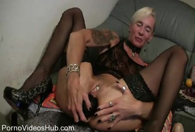 MyDirtyHobby_presents_lady-isabell666_in_Huge_butt_plug.mp4.00013.jpg