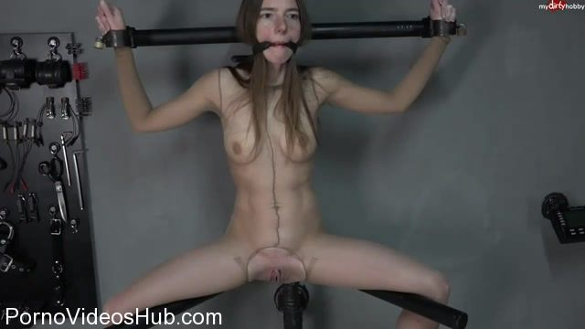 Mydirtyhobby_presents_Nylonschlampen_Fist_with_Amateure_Xtreme.mp4.00002.jpg