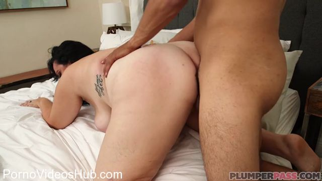 Watch Online Porn – Plumperpass presents Charlotte Angel in Lost and Fucked – 13.12.2017 (MP4, SD, 720×400)