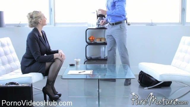 Watch Free Porno Online – PureMature presents Julia Ann in Pleasure Before Business (MP4, SD, 960×540)