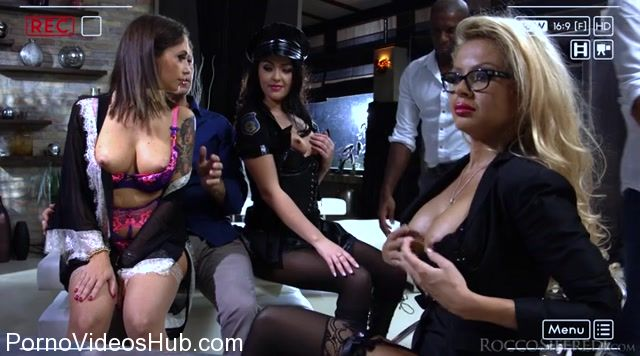 Watch Online Porn – Roccosiffredi presents Malena, Joanna Bujoli, Carolina Vogue in Live Shows – October (MP4, SD, 720×400)