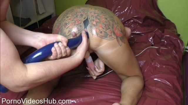 SicFlics_presents_Extreme_anal_fisting_orgasms_-_01.12.2017.mp4.00005.jpg