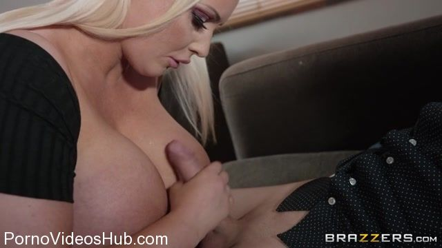 Brazzers_-_MommyGotBoobs_presents_Jordan_Pryce_in_Queen_vs_Pawn_-_29.01.2018.mp4.00002.jpg