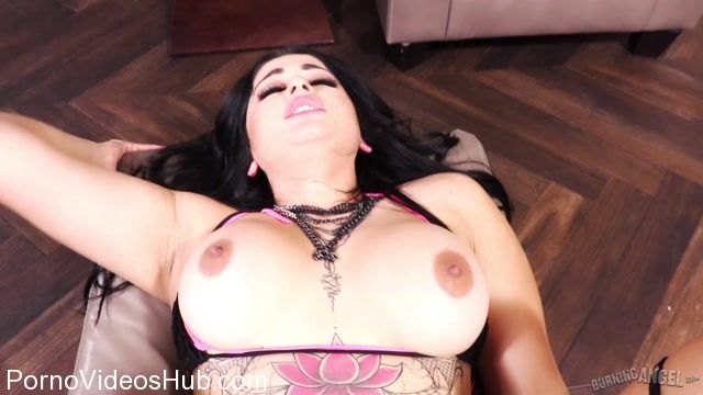 BurningAngel_presents_Carolina_Cortez_Big_Booty_POV_-_18.01.2018.mp4.00005.jpg