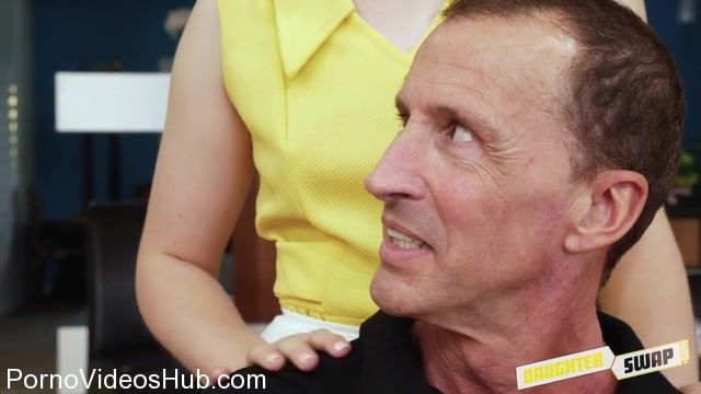 Watch Online Porn – DaughterSwap presents Zoey Monroe in The Sugar Daddy Swap Pt.2 – 16.01.2018 (MP4, SD, 640×360)