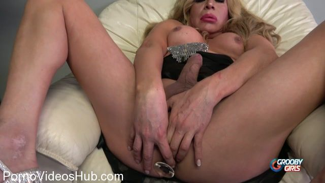Groobygirls_presents_Cumshot_Monday__Fabiola_Blonde_-_22.01.2018.mp4.00012.jpg