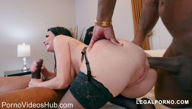 LegalPorno_presents_Black_Robbers_Invade_Veronica_Avluv_Ass_and_Pussy_AB003_-_22.01.2018.mp4.00008.jpg