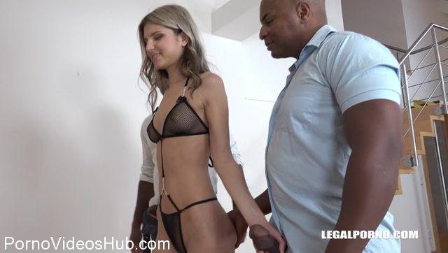 LegalPorno_presents_Gina_Gerson_comes_to_try_three_black_cocks_IV131_-_26.01.2018.mp4.00000.jpg
