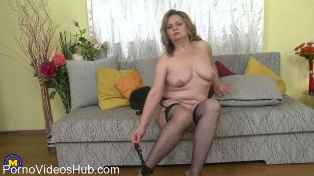 Watch Online Porn – Mature.nl presents Bella S. (51) in Naughty mature Bella playing with herself – 17.01.2018 (MP4, FullHD, 1920×1080)
