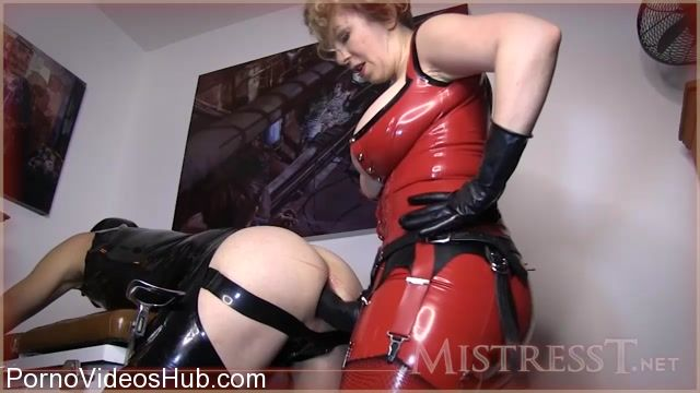 Watch Online Porn – Mistress T in Latex Gimp Takes Huge Lady Cock (MP4, HD, 1280×720)