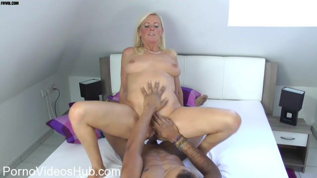 MyDirtyHobby_presents_DirtyTina_-_Der_Monsterschwanz.mp4.00011.jpg