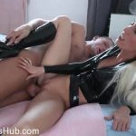 Mydirtyhobby presents LauraParadise aka Laura Paradise in    Spermasuchtige Latexschlampe
