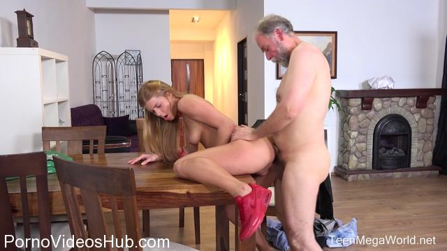 Old-n-Young_presents_Chrissy_Fox_in_Old_man_pays_a_hot_delivery_girl_with_sperm_-_13.01.2018.mp4.00007.jpg