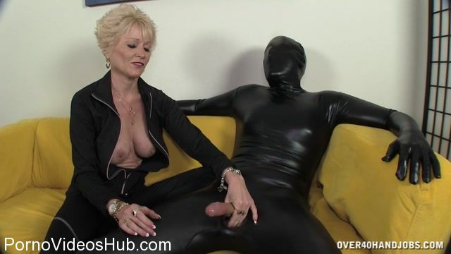 Over40Handjobs_presents_Nikki_Sixxx_in_Masked_Milking.mp4.00011.jpg