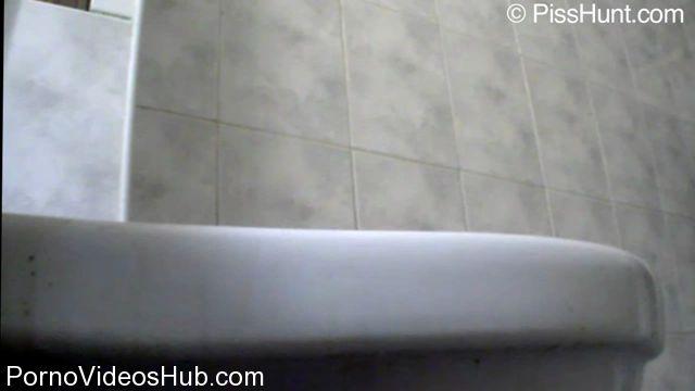 Watch Online Porn – PissHunt – 109 (WMV, HD, 1280×720)