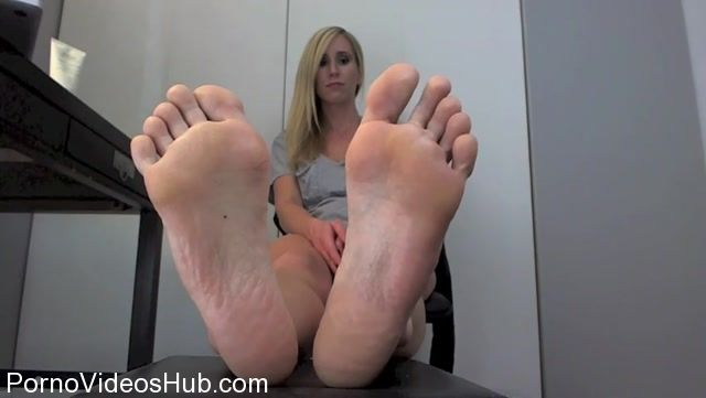 Watch Online Porn – Princess Lyne in Beg to be Enslaved by Feet (MP4, SD, 852×480)