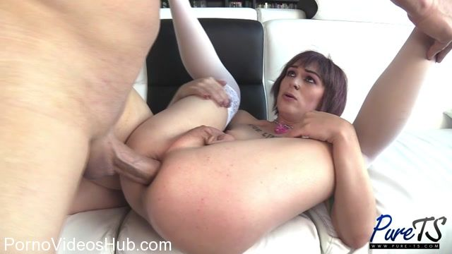 Pure-ts_presents_Aubrie_Scarlett_cums_while_getting_fucked_hard_-_08.01.2018.mp4.00004.jpg