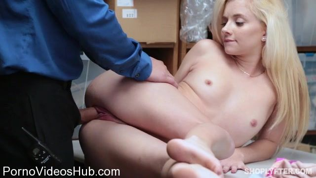 Watch Online Porn – Shoplyfter presents Riley Star – 03.01.2018 (MP4, SD, 640×360)