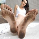 Stella Liberty in Dirty Feet Humiliation JOI CEI