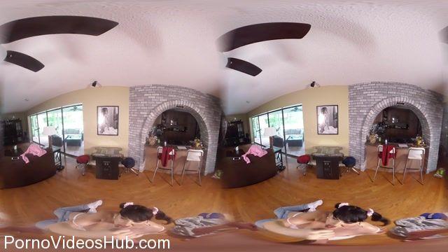 Watch Online Porn – TS-BaileyJay presents Bailey Jay in VR Arcade BJ (MP4, FullHD, 1920×1080)