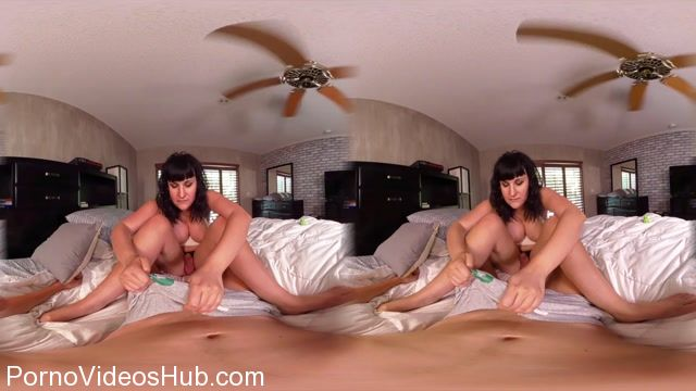 TS-BaileyJay_presents_Bailey_Jay_in_VR_Bedroom_Quickie.mp4.00010.jpg