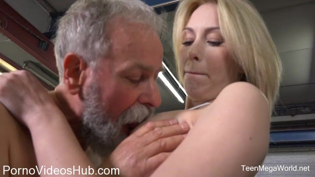 Watch Online Porn – TeenMegaWorld – Old-n-Young presents Daniela C aka Serpente Edita, Alice Marshall in Blondie gets a special service in the garage – 27.01.2018 (MP4, SD, 960×540)
