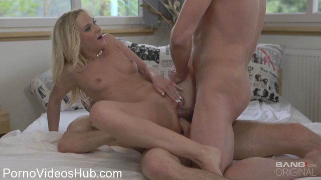Watch Online Porn – Bang – Glamkore presents Vinna Reed in High Class Blonde Housewife Gets Dp By Hubby And His Boss – 01.02.2018 (MP4, SD, 960×540)