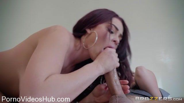 Watch Online Porn – Brazzers – BabyGotBoobs presents Skyla Novea in Go Fuck Your Selfie! – 18.02.2018 (MP4, SD, 854×480)