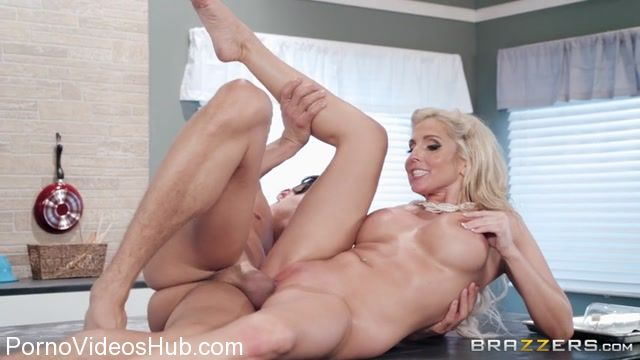 Watch Online Porn – Brazzers – BrazzersExxtra presents Christie Stevens in How To Bake A Creampie – 03.02.2018 (MP4, SD, 854×480)