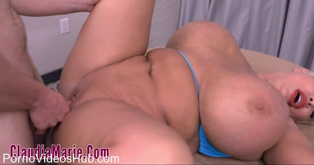 ClaudiaMarie_presents_Claudia_Marie_in_Oiled_And_Anal_2.mp4.00005.jpg