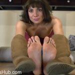 Clips4Sale – ShowAssBB presents Janey Jones in Bare Foot Brat