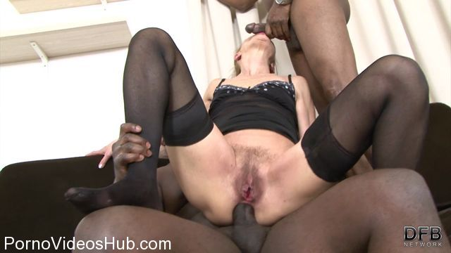 DFBnetwork_presents_Lilla_-_Granny_In_Hot_Interracial_Threesome.mp4.00004.jpg