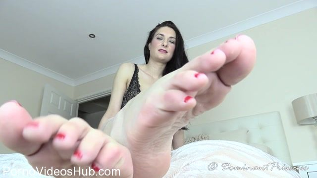 Watch Online Porn – Dominant Princess in Foot Trance (MP4, FullHD, 1920×1080)