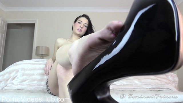 Watch Online Porn – Dominant Princess in Teased By The Dangle (MP4, FullHD, 1920×1080)