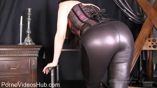 Goddess_Alexandra_Snow_in_Bound_and_Edged.mp4.00003.jpg