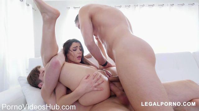 LegalPorno_presents_Pornstar_Valentina_Nappi_Fucks_2_Cocks_At_Once_AB005_-_16.02.2018.mp4.00007.jpg