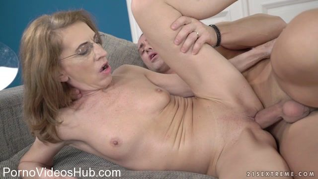 Watch Online Porn – LustyGrandmas presents Viol, Mugur in Kinky Psychiatrist – 15.02.2018 (MP4, FullHD, 1920×1080)