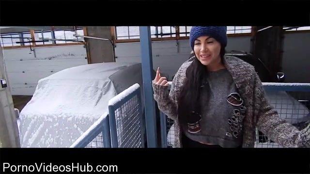 Watch Online Porn – ManyVids Webcams Video presents Girl Korina Kova in The Mechanic (MP4, HD, 1280×720)