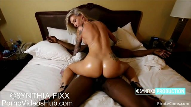 ManyVids_Webcams_Video_presents_Girl_SynFixx_in_Epic_Vegas_Hotel_fuck_with_Alonso_Shaft.mp4.00008.jpg