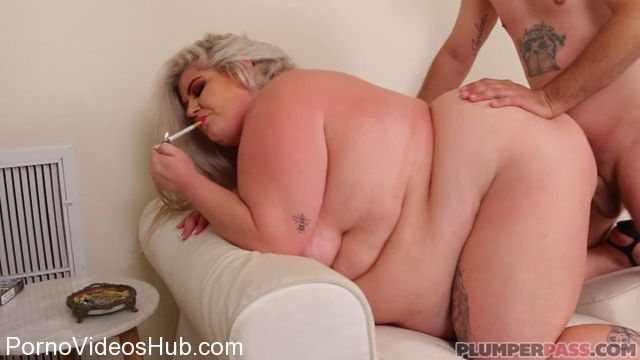 Plumperpass_presents_Busty_Brogan_in_Smoke_and_Blow_-_26.02.2018.mp4.00008.jpg