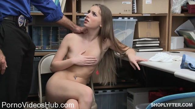 Watch Online Porn – Shoplyfter presents Summer Brooks in Security Guard Sex – Case No. 3328745 – 13.02.2018 (MP4, SD, 854×480)