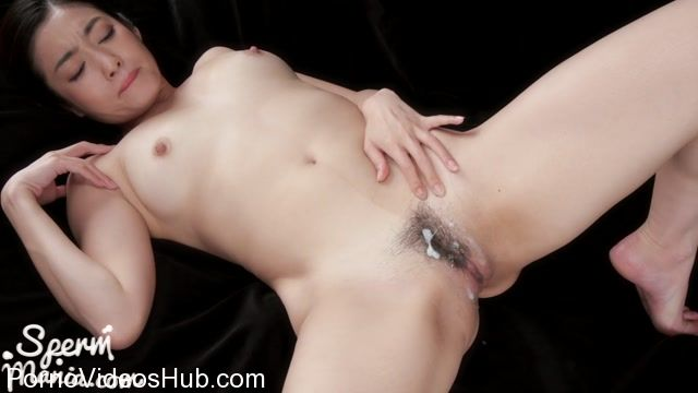 SpermMania_presents_Ryu_Enami_Gets_Her_Pussy_Drenched_with_Cum.mp4.00002.jpg