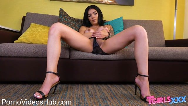 Tgirls.xxx_presents_Gorgeous_Aubrey_Starr_Cums__-_05.02.2018.mp4.00006.jpg