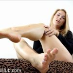 Trixie Miss in Cum To Feet 3 Times