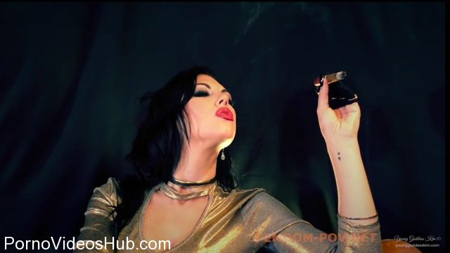 Young_Goddess_Kim_in_Celebratory_Cigar.mp4.00014.jpg
