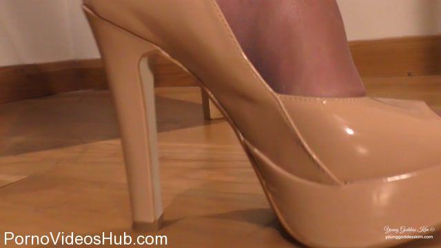 Watch Online Porn – Young Goddess Kim in The Glove Job Cruel Tease (MP4, HD, 1280×720)